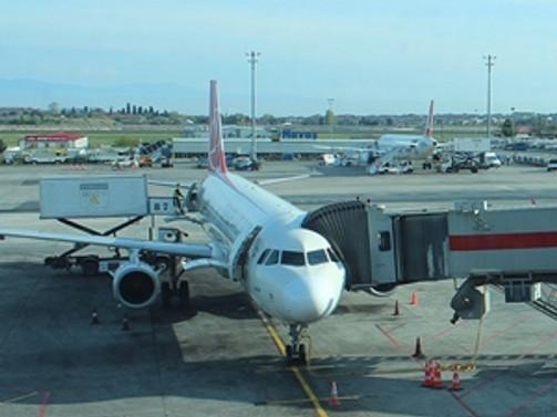 THY uçağından Ebola şüphesiyle acil iniş