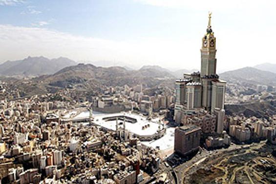 Abraj El Beyt Kuleleri'nin saati açılıyor