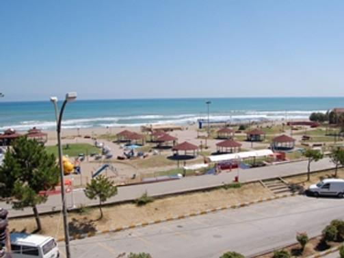 Sakarya, plajlarıyla turistlerin akınına uğruyor