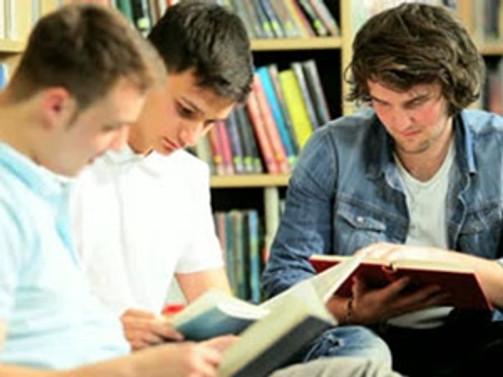'Binlerce yabancı öğrenciyi okutuyoruz'