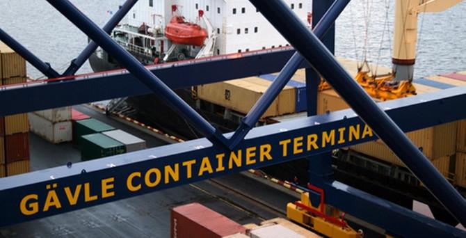 İsveç'in üçüncü büyük limanını satın aldı