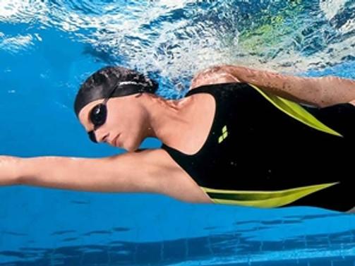 Bilinçli yüzme kilo kontrolü sağlıyor