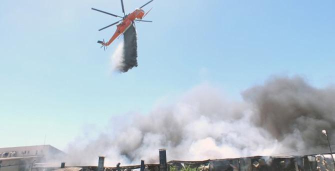 Hadımköy'de ütü fabrikasında yangın