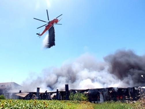 Hadımköy'de ütü deposunda yangın