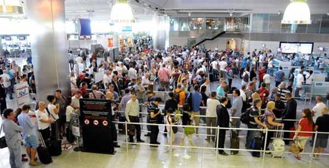 İlk yarıda 75.5 milyon yolcu havalimanlarını kullandı