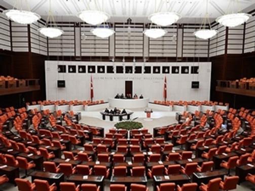 Meclis, tezkereleri bekliyor