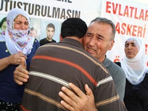 PKK'nın kaçırdığı 2 genç, evlerine döndü