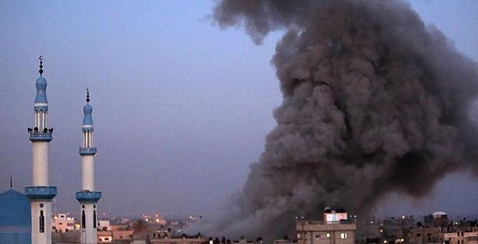İsrail, Ulusal İslam Bankası'nı ve askeri mahkemeyi vurdu