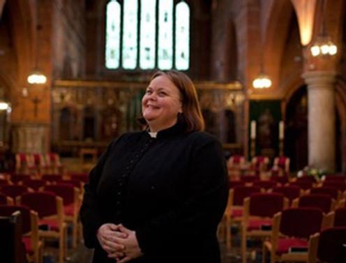 Anglikan Kilisesi kadınların piskopos olmasını onayladı