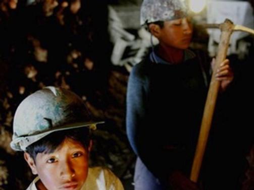 Bolivya'da çalışma yaşı 10'a düştü