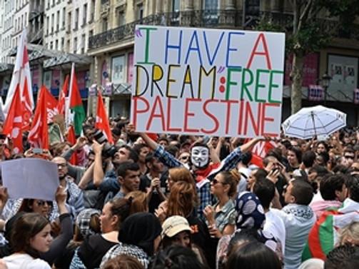 Fransa'da gösteriler yasağa rağmen sürüyor