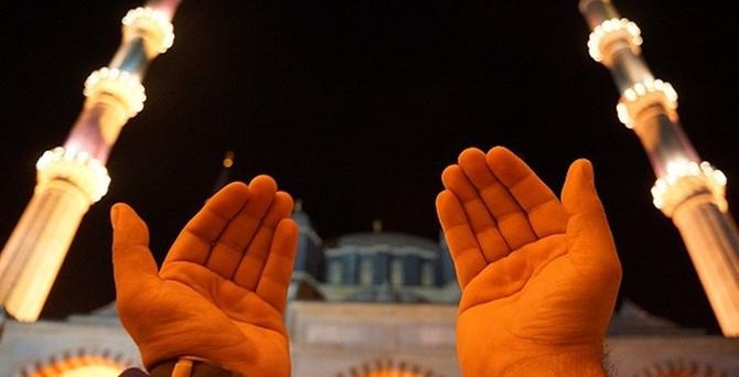 Kadir Gecesi'nde dualar Gazze için