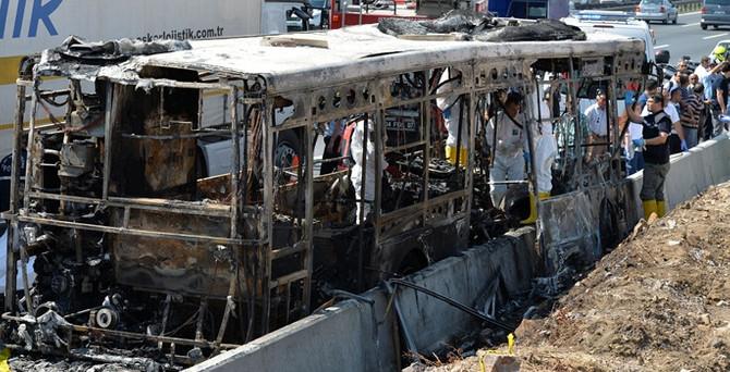 Halk otobüsü yandı: 4 ölü