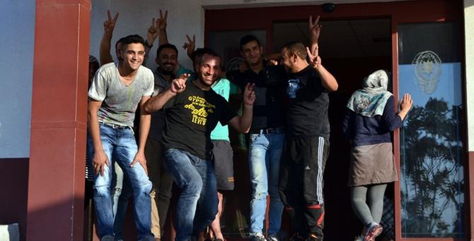 Ayvalık'ta 20 Suriyeli kaçak yakalandı