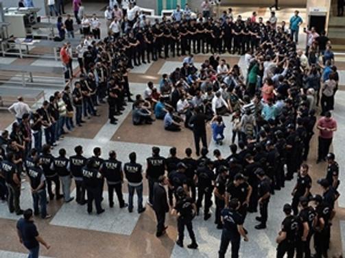 21 polisin sorgusuna başlandı