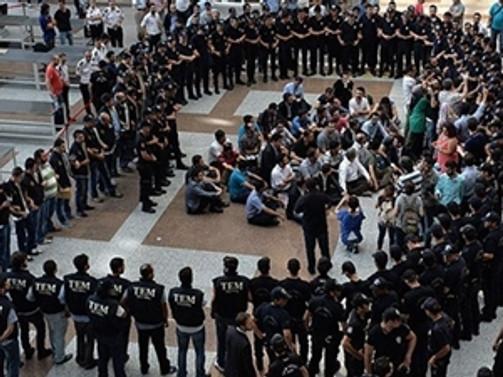 8 polis tahliye talebinde bulundu