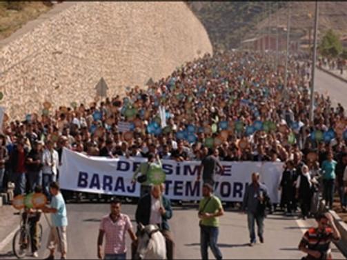 Tunceli'de baraj ve HES karşıtı yürüyüş