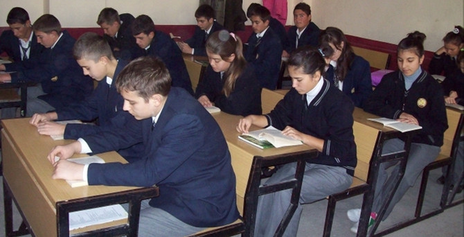 Lise son sınıflar için flaş karar