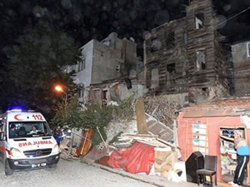 Fatih'te bina çöktü: 4 yaralı