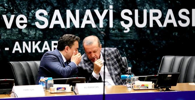 """""""Babacan görevine devam edecek"""""""