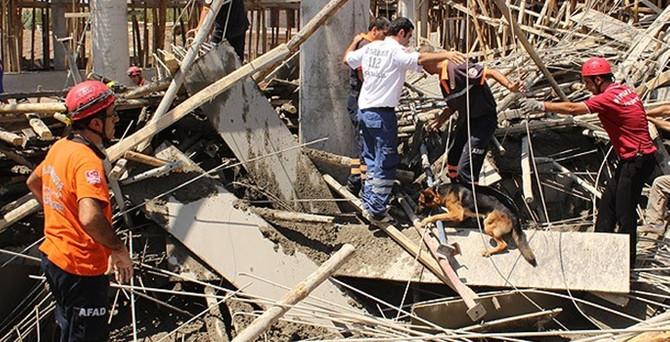 Kaymakamlık binası inşaatında iskele çöktü