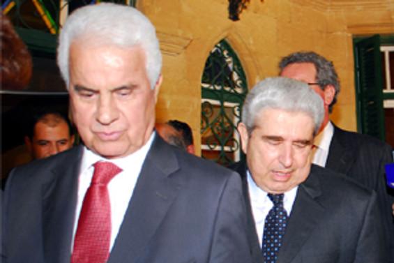 Eroğlu ile Hristofyas 'mülkiyeti' görüşüyor