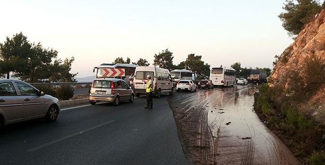 Bodrum'da boru patladı, yol ulaşıma kapandı