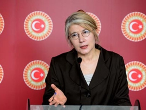 Tarhan, CHP'den istifa etti