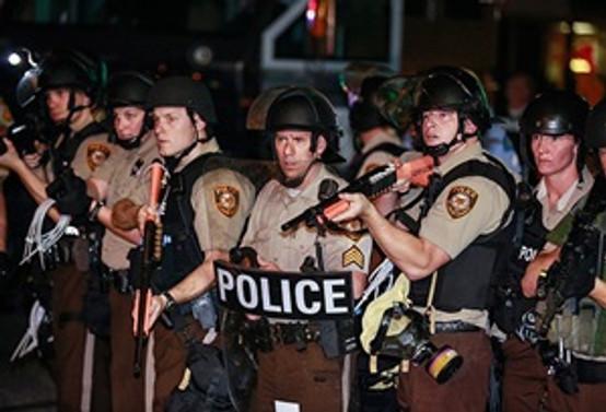 Ferguson'da 14 gazeteci gözaltına alındı
