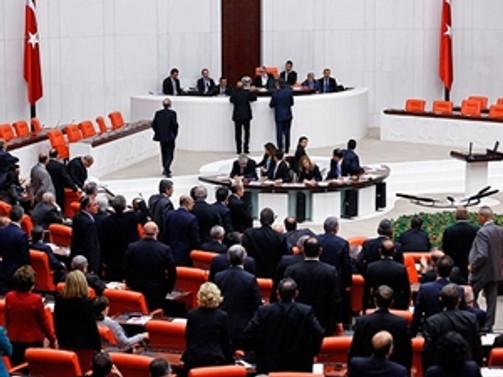 Muhalefet Meclis'in çalışmasına karşı