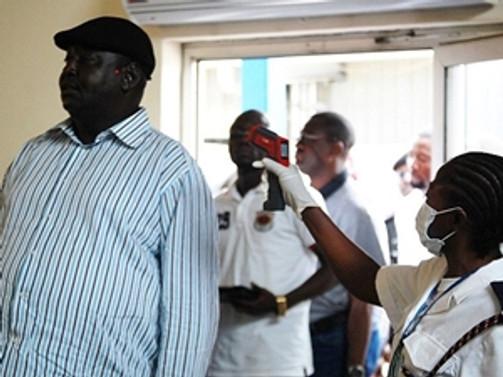 Gine ve Liberya sınırları kapatıldı