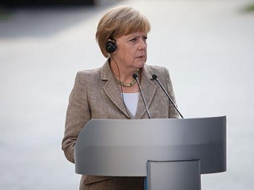 Merkel'in cep telefonunu Blackberry üretecek
