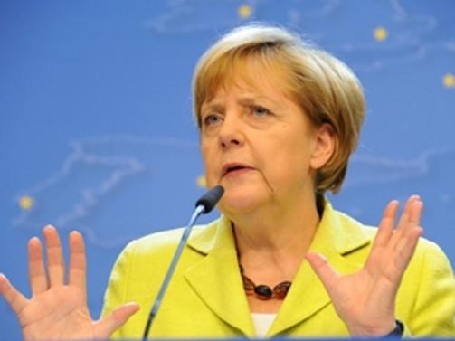 Merkel: IŞİD Irak'ta soykırım yapıyor