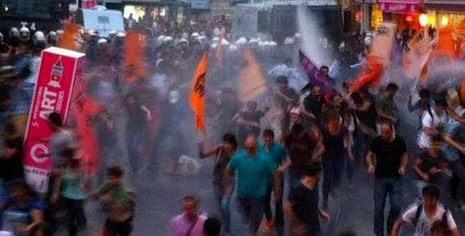 İstiklal'de Erdoğan protestosu