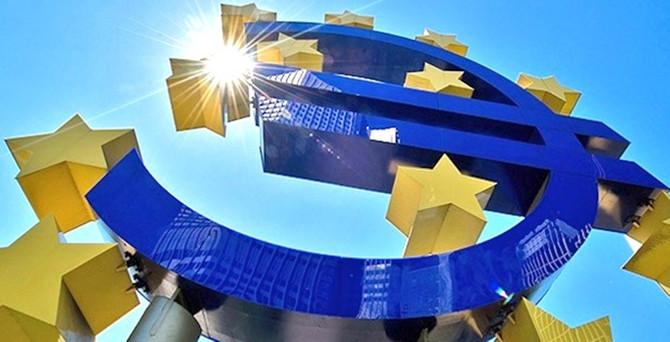 Euro Bölgesi deflasyona bir adım daha yaklaştı