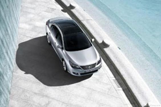 Renault, Latitude'ü Moskova'da tanıttı
