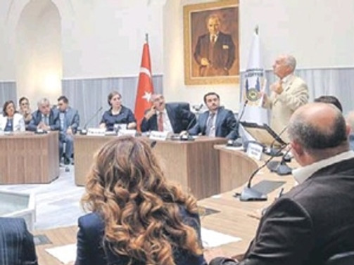 Lüleburgaz Belediye Meclisi 450 yıllık Külliye'de toplandı
