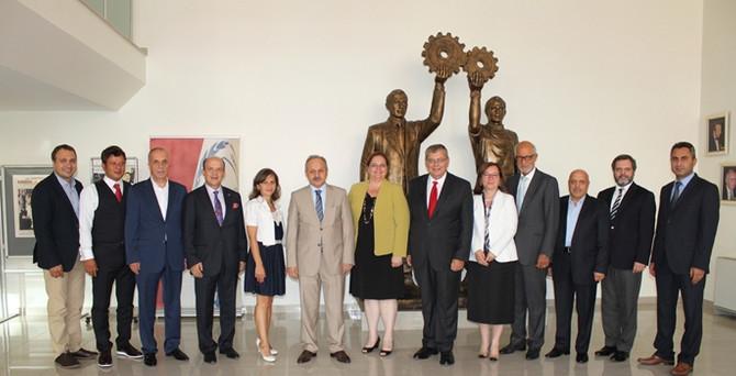 TİSK'in büyük ödülü Koç Holding'e