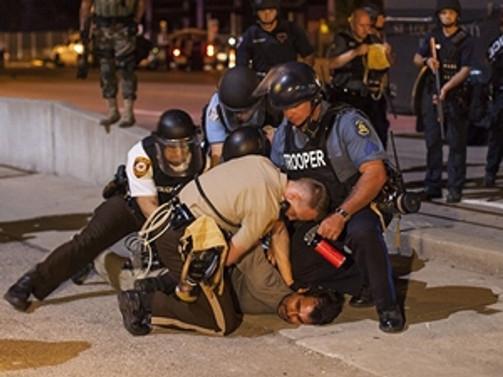 Ferguson polisine soruşturma şoku!