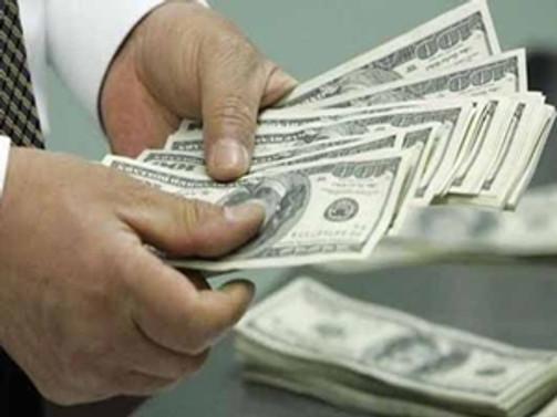 Güçlenen dolar, altının 2 haftalık saltanatına son verdi