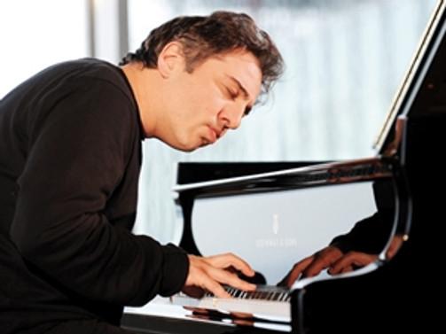 Ünlü piyanist Say, köyde konser verecek