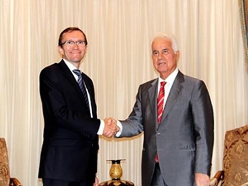 Kıbrıs'ta liderler görüşmesi ertelendi