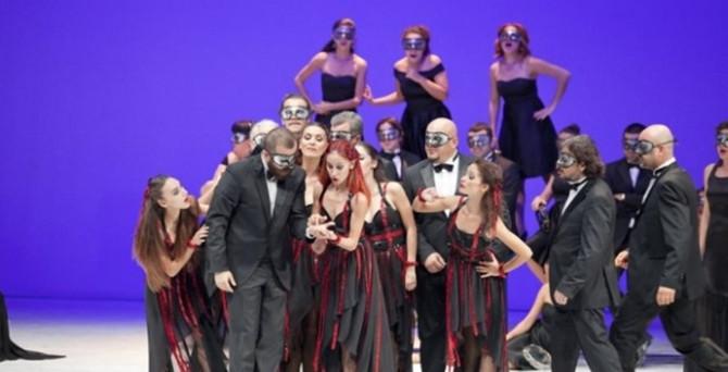 Aspendos'ta 'La Traviata' sahnelendi