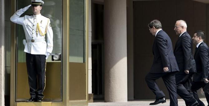 Başbakanlık'ta makroekonomi toplantısı başladı