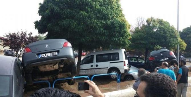 Eskişehir'de OSB'yi sel bastı!