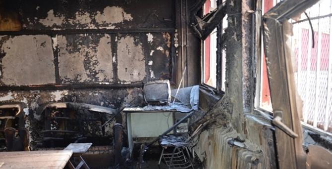 Yüksekova'da 2 okul daha yakıldı!