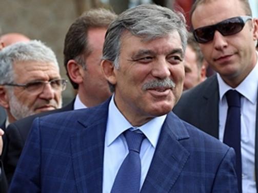 Gül'den, Erdoğan ve Davutoğlu'na tebrik