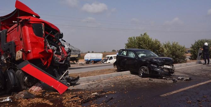 Adana'da 13 araç birbirine girdi!