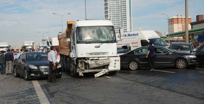 Bayramda trafik kazaları 51 can aldı