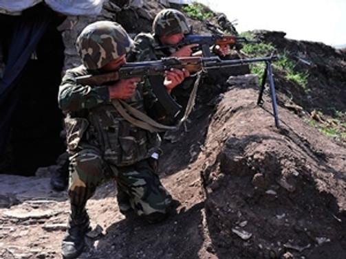 Cephe hattında 1 Azeri asker şehit oldu